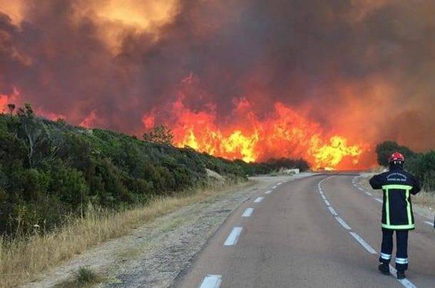 Trois Canadair de Nîmes engagés — Feu en Corse
